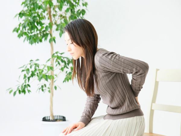 コロナの症状で腰痛はありますか?